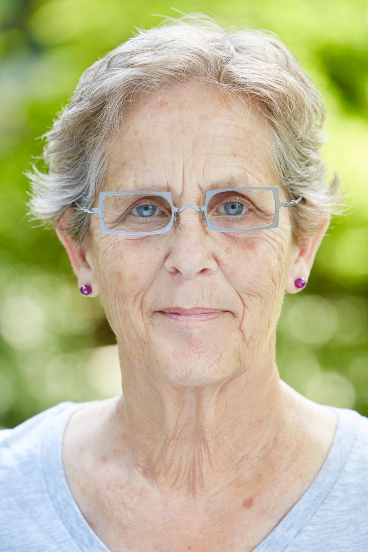 Barbara Dorris.png
