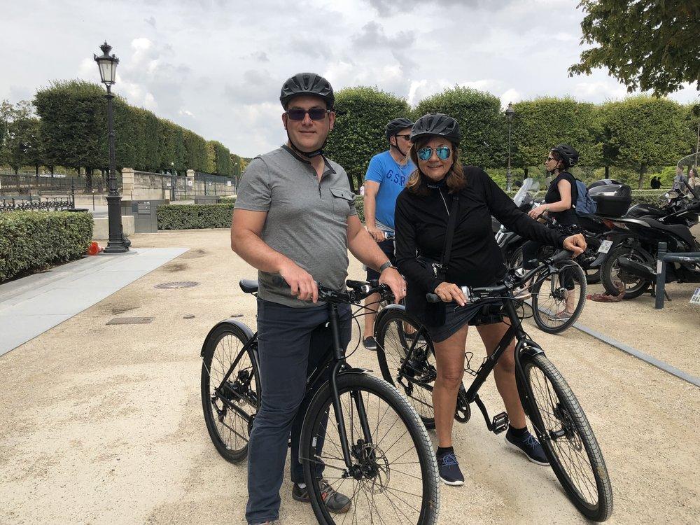 Rod and Jen on a Parisian bike ride