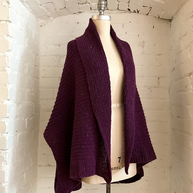 Veronika knit in Brooklyn Tweed Shelter, colourway Thistle. Image courtesy Espace Tricot.
