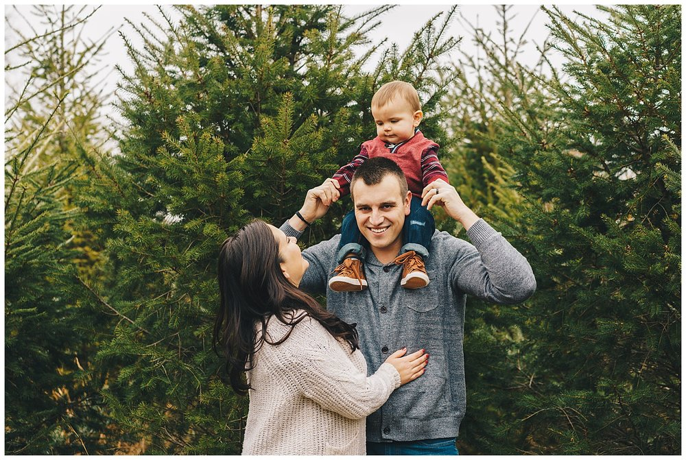 Franklin Tennessee Wedding Photographer // Christmas Family Session