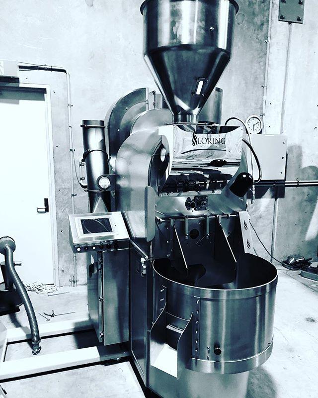 She's back!!😎🙌🏿🕺🏿 #loring #coffee #specialtycoffee #wholesalecoffee #dangerbirdcoffee  #coffeeroastersaustralia #goodmorning ☕️