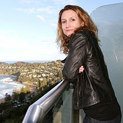 Dr Tanya Evans