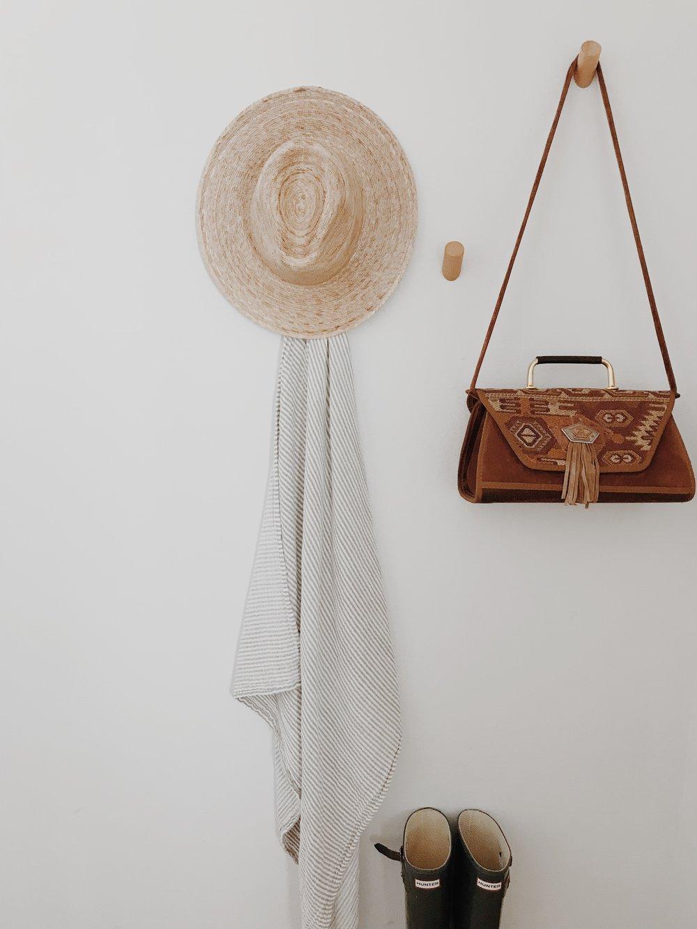 Suade Vintage Bag - by: The Oak Closet