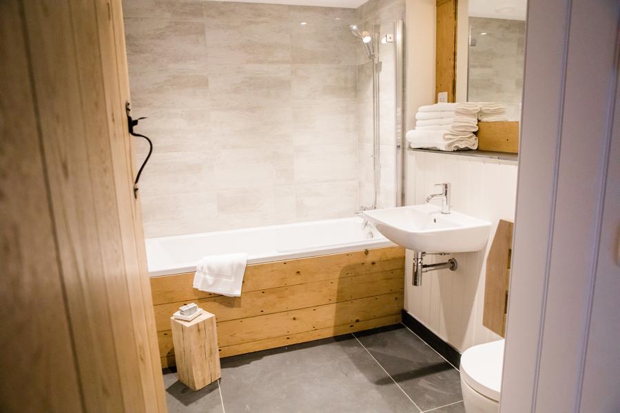 Bathroom at Barns and Yard wedding venue.jpg