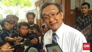 Maqdir Ismail Kini Pengacara Setya Novanto