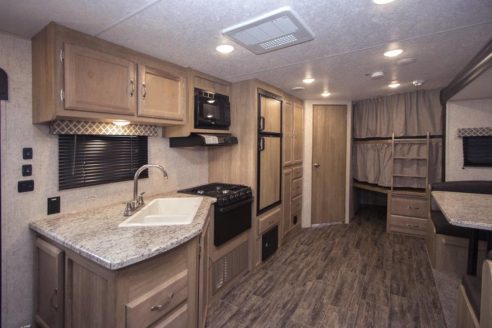 295BHS  Braxton Creek  Kitchen sml.jpg