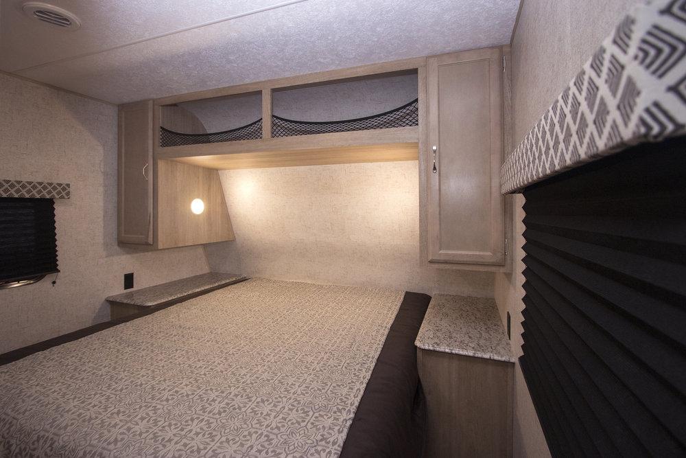 295BHS Braxton Creek Bedroom sml.jpg