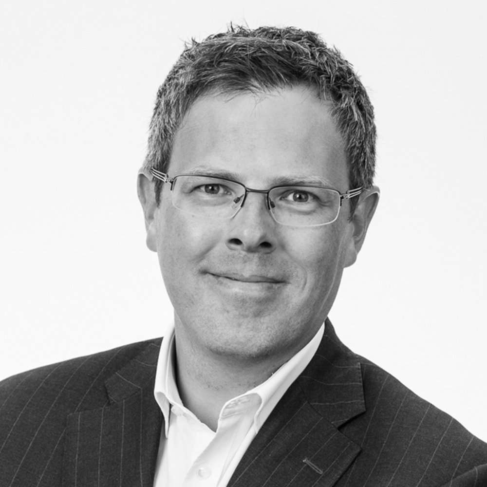 Jon Gravråk    CDO and EVP in Telenor leading investments in IoT, Market Places, MarTech and FinTech  McKinsey Partner in Telecom, Tech and Media  Guest speaker at INSEAD, Mobil World Congress, Rutberg Summit, etc.