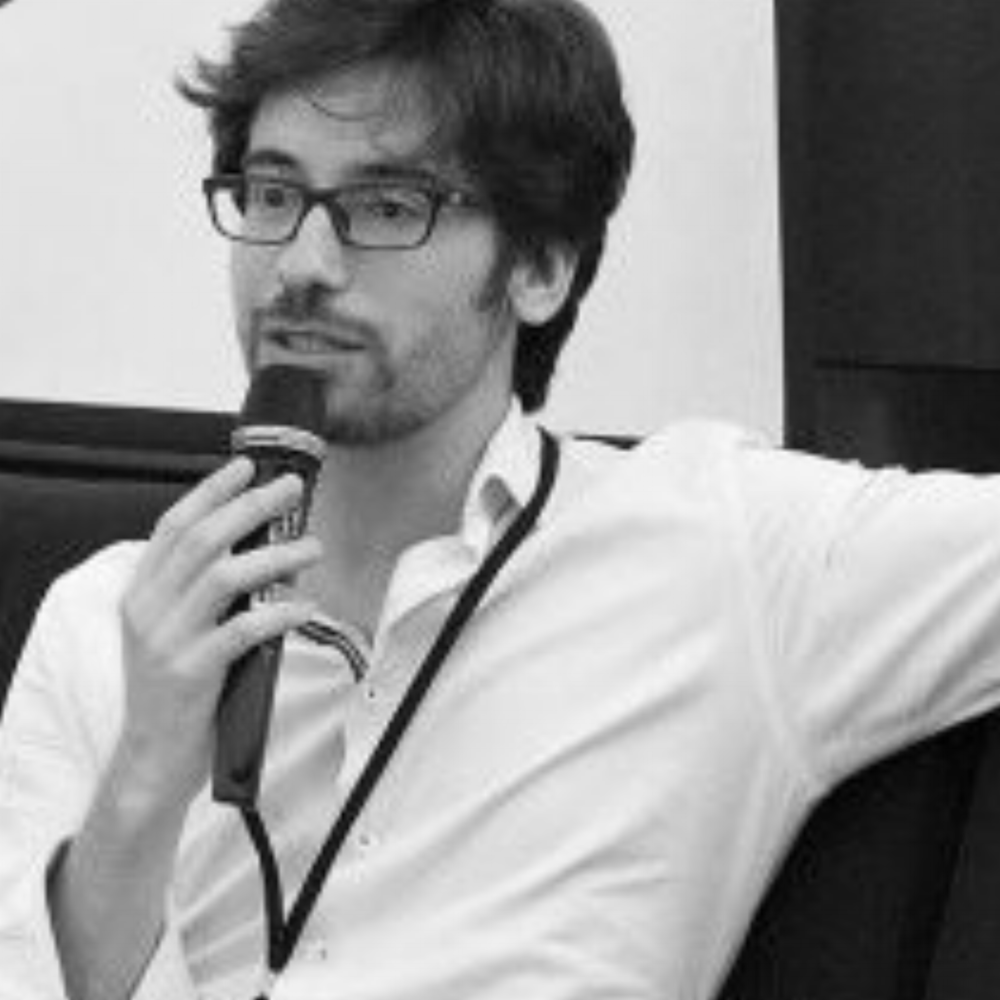 Florian Cornu    Founder and CEO of Future Flow, a Singapore-based company which guides entrepreneurs along their growth journey  Co-founder of Map of the Money, and runs SaaS Business Asia, which aim at connecting the SaaS ecosystem in Southeast Asia