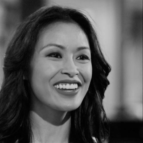 Angie Lau    Founder and CEO of Narramur  Former award-winning Bloomberg Television lead anchor