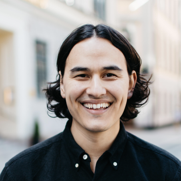 Kaj Drobin    CPO and Co-founder of Tictail, an international social e-commerce company in the fashion industry.  Kaj has has deep knowledge in the designer space and used to serve as the Lead Digital Art Director and Partner at Identity Works, working with clients such as Spotify, Rodebjer and TV4.