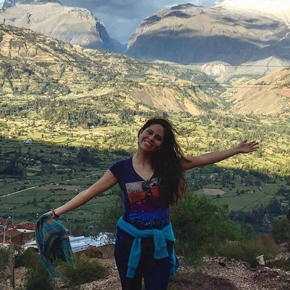 Narda Antón  - Academic Advisor (Peru)  narda@edodyssey.com