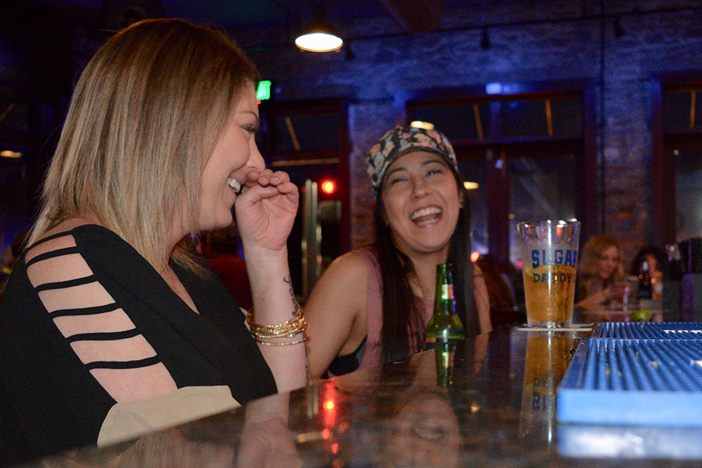 Girls-having-fun-at-bar.jpg