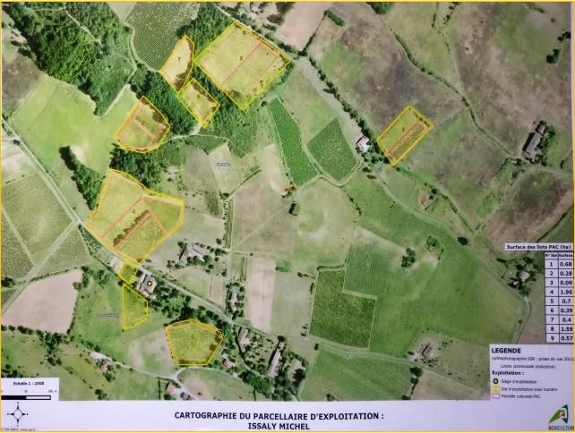 LE DOMAINE - ...existe depuis 1847 et est situé à 4 km de Gaillac sur les premières côtes de cette appellation (AOP Gaillac). La transmission des savoir-faire c'est toujours fait au sein de la même famille ou six générations se sont succédés. Le Domaine s'étend actuellement sur 5,80ha et est certifiéHVE (Haute Valeur Environnemental)et nous sommes en fin de conversion bio et biodynamie (2017). Les vignes ont en moyenne 40 ans (entre 1 ans et 75ans).Le domaine est d'un seul tenant, les parcelles se touchent et par tradition quasi toutes les mains d'œuvres sont effectués manuellement (embouteillage, étiquetage, désherbage…) sauf labour de la terre. Une de ses caractéristiques est de cultiver quasi exclusivement que des variétés anciennes de cépages gaillacois :Le Prunelard,le Braucol (ou Fer Servadou),le Duras,le Mauzac,le Loin de l'oeil et l'OundencLes moyens que nous mettons en œuvre sont :  + La culture en bio et en biodynamie+ Le respect de la biodiversité par une certification en   HVE (Haute Valeur Environnementale)+ La vinification naturelle+ La commercialisation exclusive en circuit court
