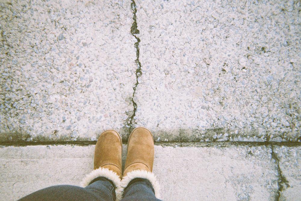 Sometimes the broken road is all you know, but sometimes that's all you need to know.     Puede ser que el camino descompuesto es todo lo que conoces, pero a veces eso es lo único que necesitas saber.