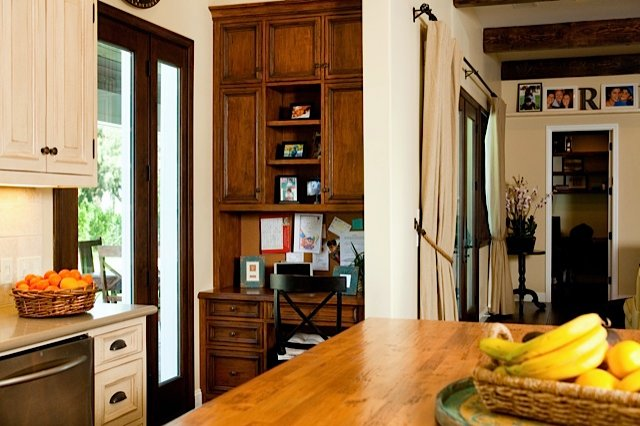 houseplay-calvin-avenue-kitchen.jpg