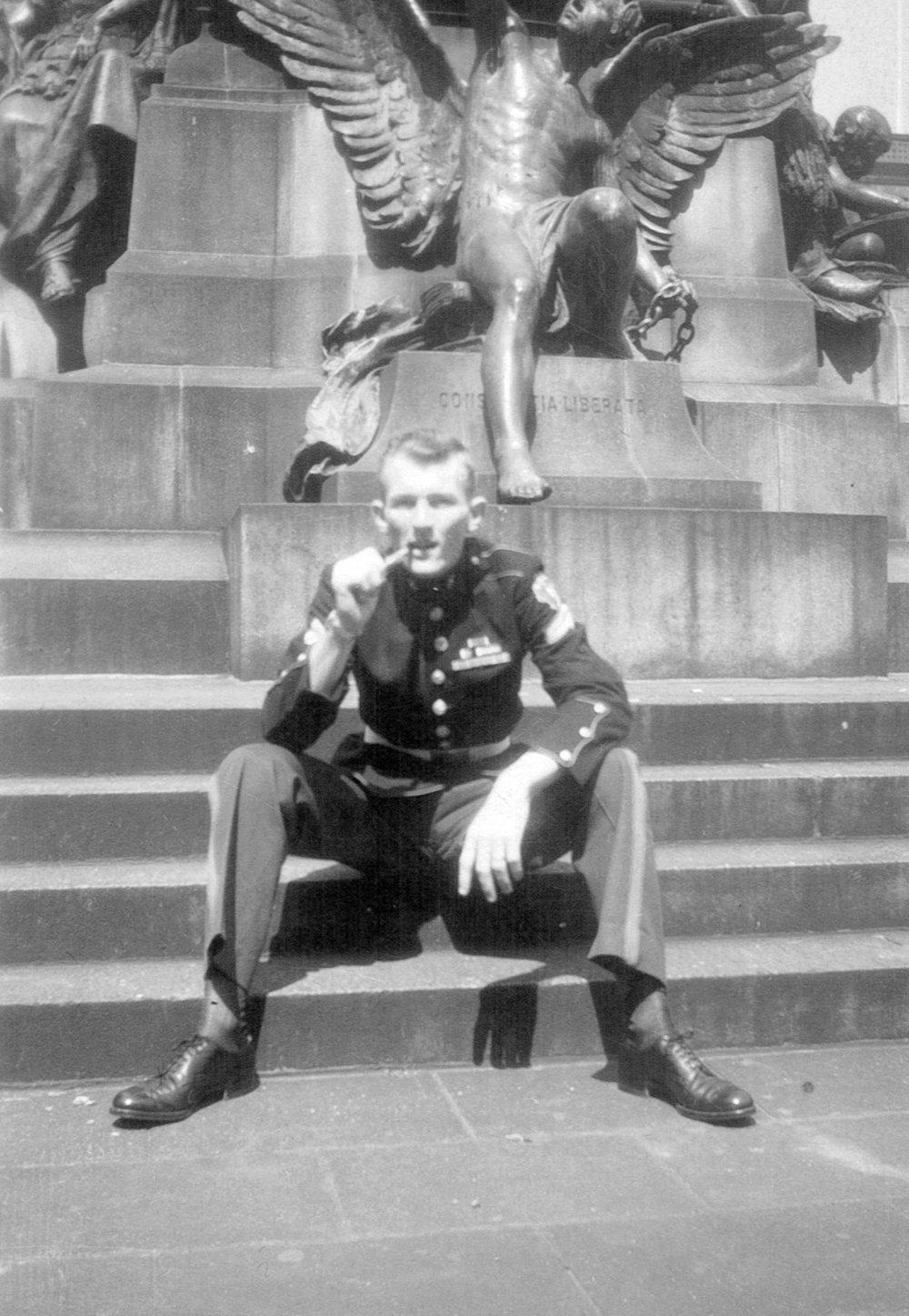William, 1946.