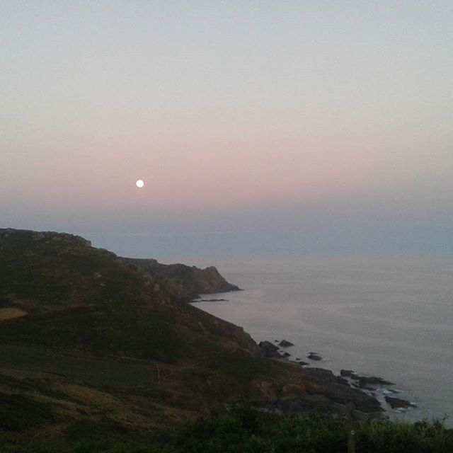 Beautiful moon rise tonight from the terrace of our restaurant tonight. ..
