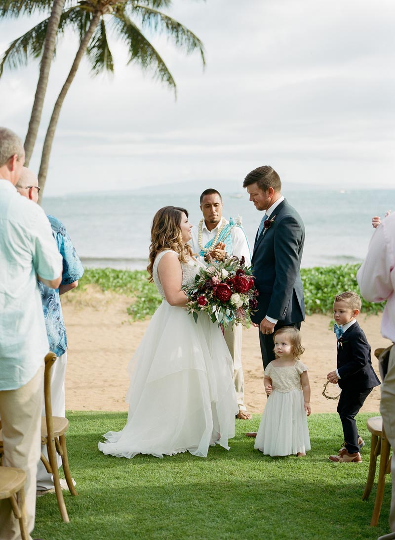 romantic-wedding-photos-destination-wedding-photographer-maui-hawaii-06.JPG