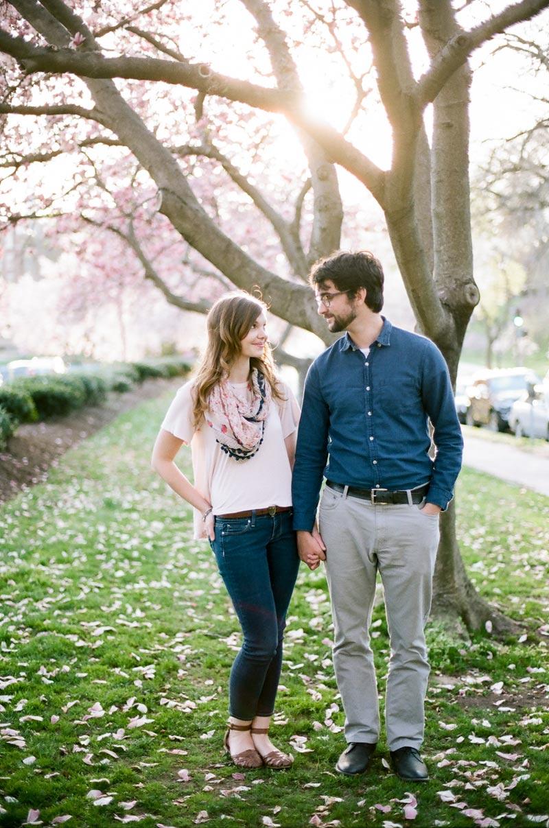 dc-engagement-session-cherry-blossoms-washington-wedding-photographers-03.JPG