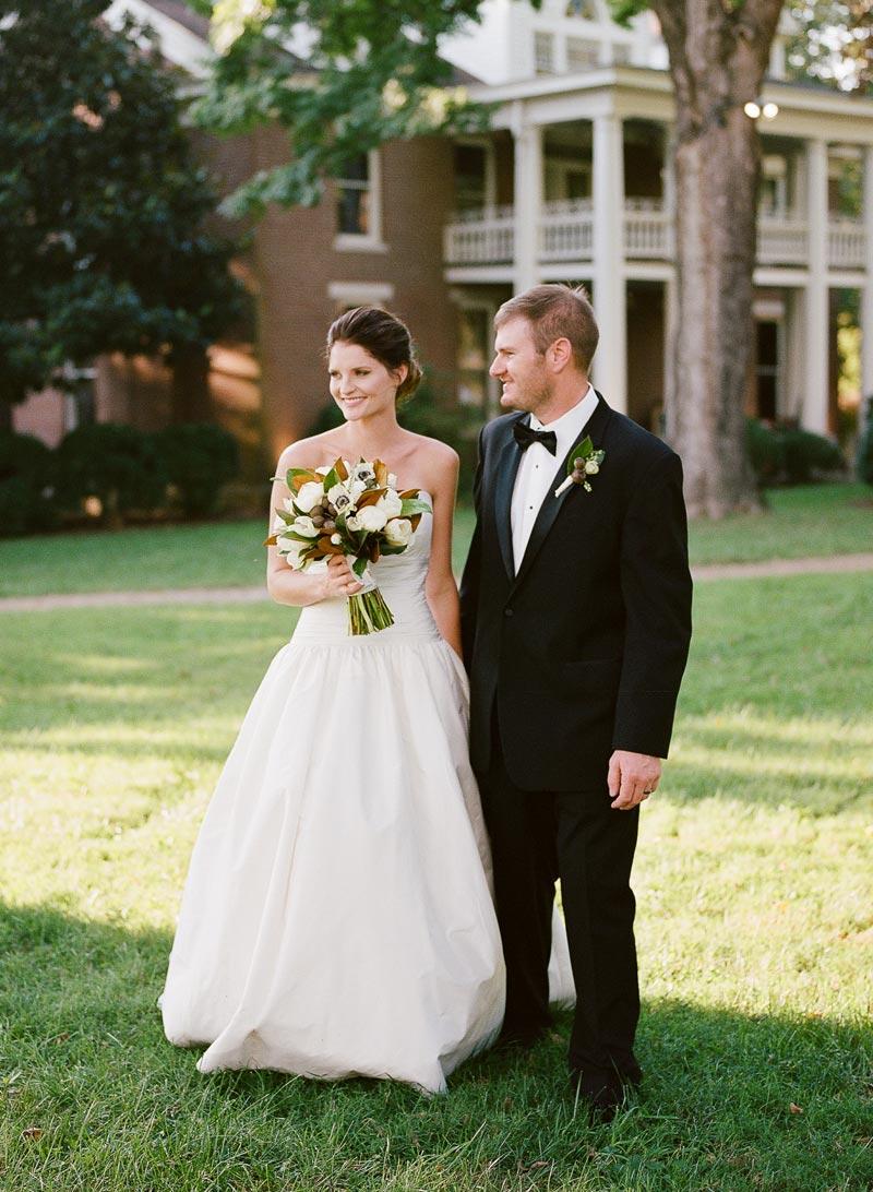 southern-colonial-wedding-inspirtaion-homestead-02.JPG