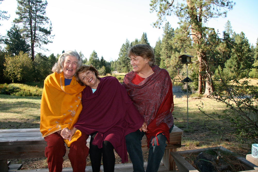 Tash, Minou & Eliza in Camp Sherman