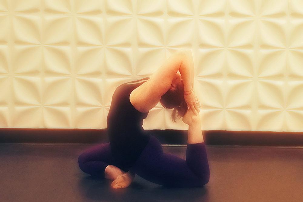jessica_yoga_2.jpg