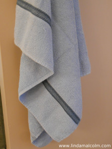 Blue bath towel small