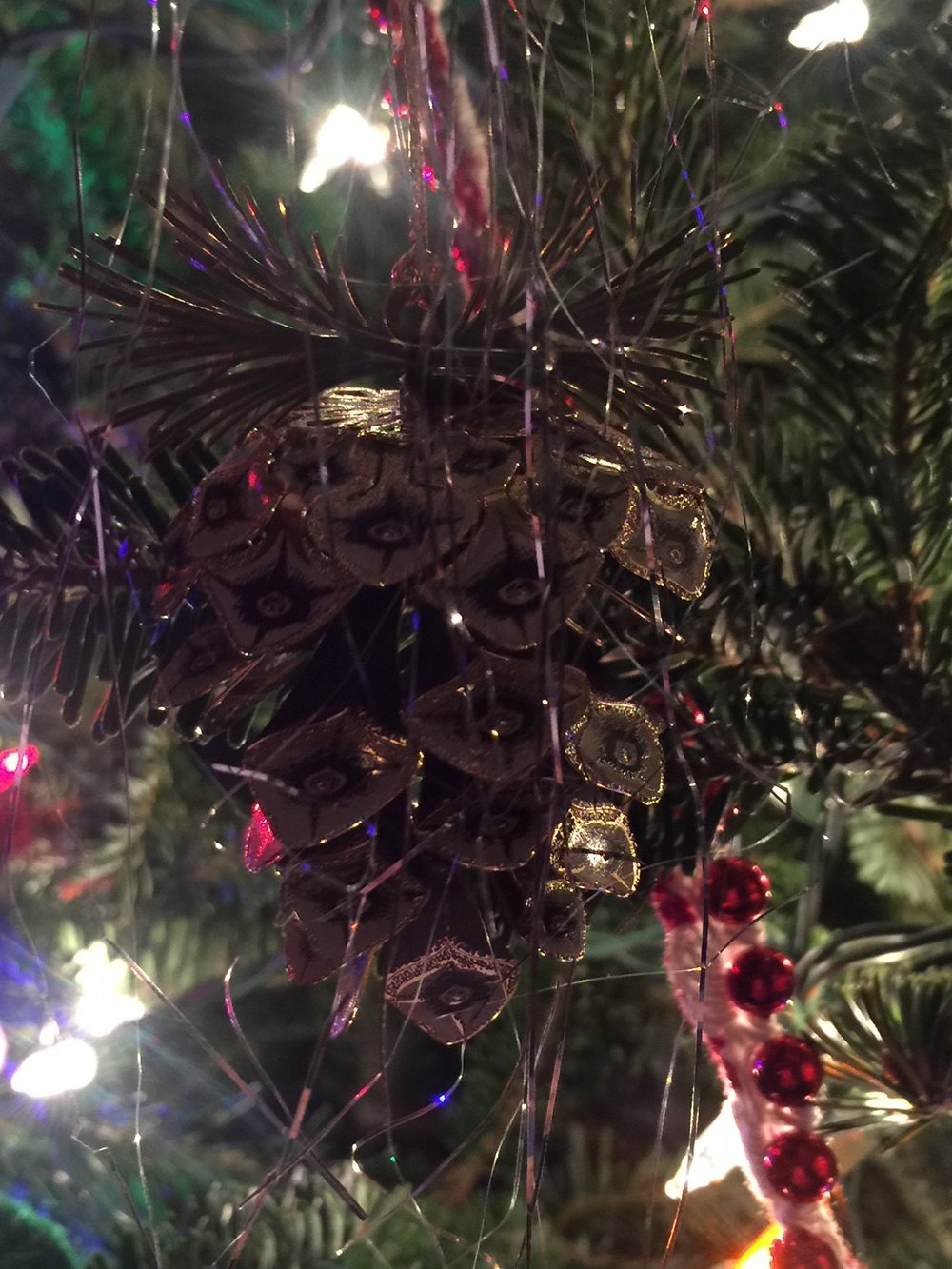 pinecone-ornament.jpg