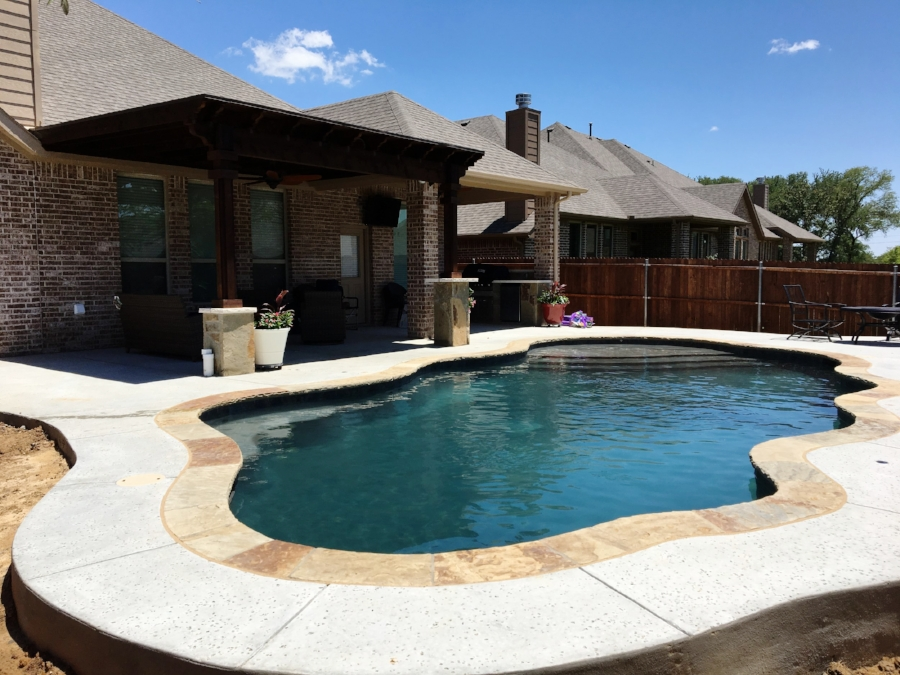 bmr pool and patio 77yyt77.JPG