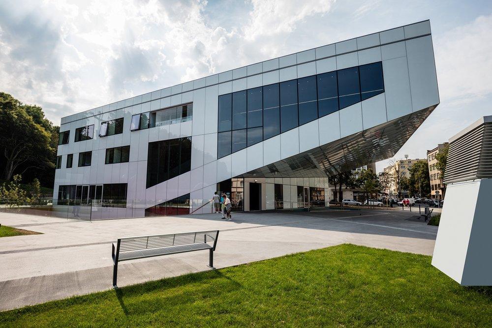 budynek GCF małe.jpg