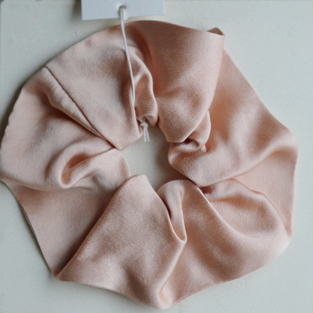 Winden Scrunchie in Satin - SOLD OUT  $32