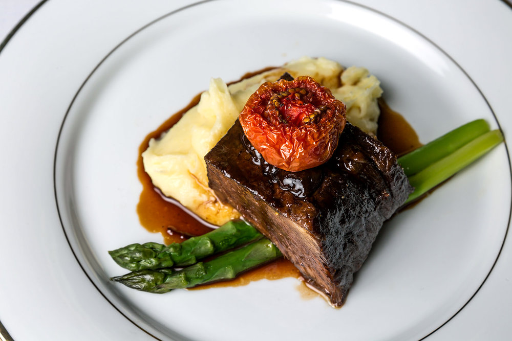 beef w mash & asparagus side view.jpg
