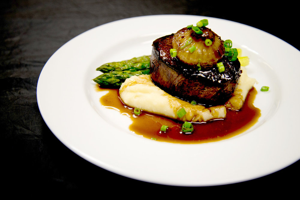 filet w potato & asparagus.jpg