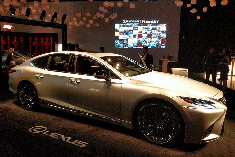 Gold Lexus.jpg