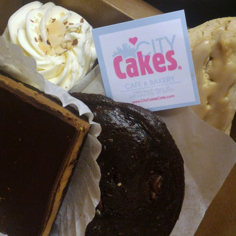 From the delicious maple scone to the peanut butter fudge bar, all bakes at City Cakes are both vegan and gluten-free.  © Ski Travel Guru