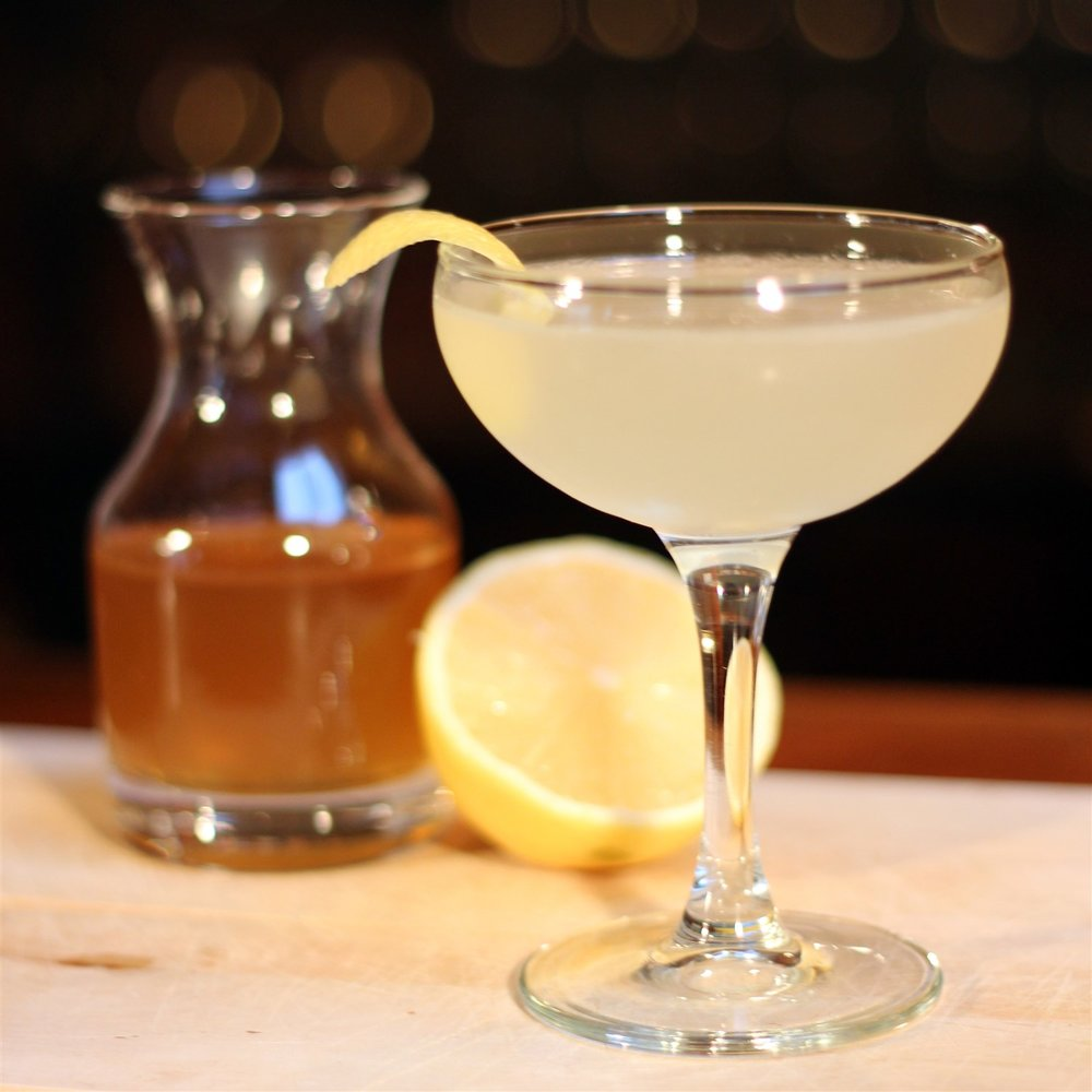 Bee's Knees, anyone? Honey is local to the Roaring Fork Valley, too. (Lemons, not so much.)  Will Shenton |    CC BY-SA 3.0