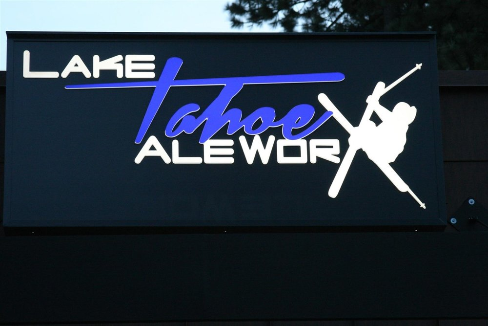 """Tahoe AleWorX now has two Tahoe South locations, one in South Lake Tahoe, CA (near the intersection known as the """"Y"""") and the other in Stateline, NV. Both are fun, social spots offering a menu anchored by wood-fired pizza and craft beer on draft, plus frequent live music.  © Ski Travel Guru"""