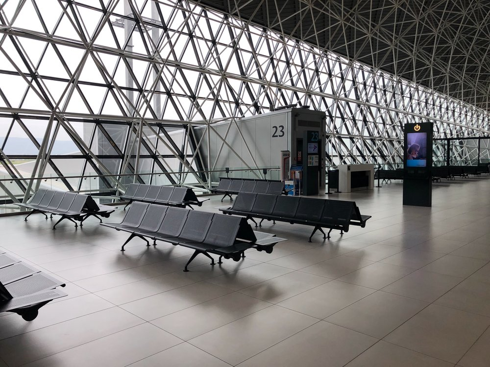 airport lounge hacks travel tips fly plane digital nomad remote year