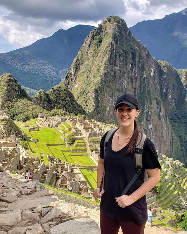 🤫 Does it look like I hiked the 50 miles all the way up here? Cuz that's what I was going for. • • • • • • • • #limaperu #limaperu🇵🇪 #peru🇵🇪 #travelperu @remoteyear #ryatlas #digitalnomadlife #postcardfrom #alwaystraveling #alwaysbetraveling #wanderlust_tribe #wanderlusters #travellust #amazingplacestovisit #worldpics #travelpost #travelgoal #iamtb #travelbloggeres #digitalnomads #igpassport #nomadiclife #travelprenuer #locationindependent #adventureseeker #digitalnomadlifestyle #machupicchu #machupicchuperu #mountaintop