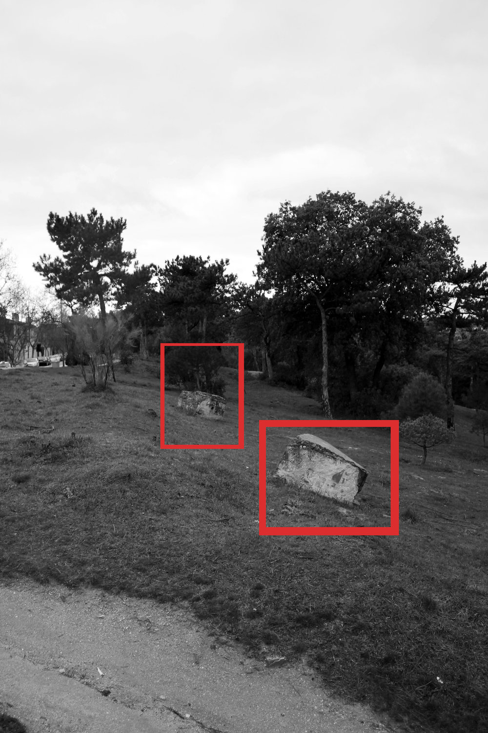 Vestiges of defensive architectures of the Spanish Civil War./ Archive of the artist  Casa de Campo(Madrid, 2014)