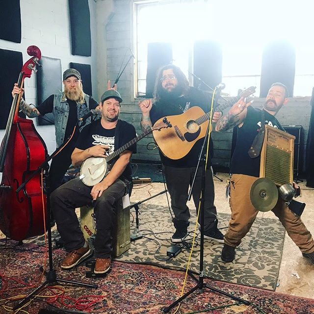 @tejonstreetcornerthieves in the studio with @bridgecitysessions