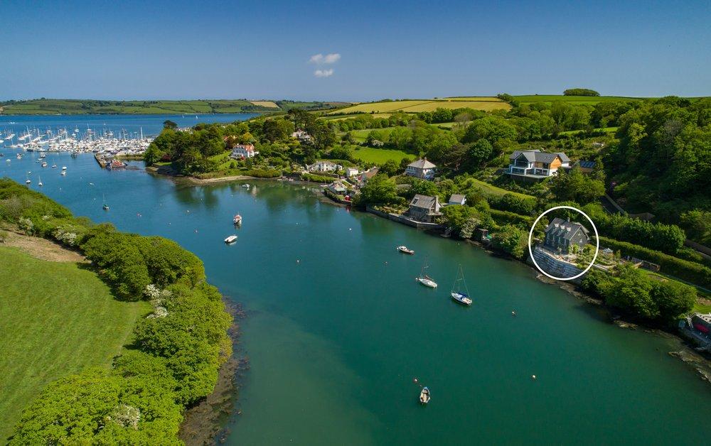 otter-cottage-28 circled.jpg