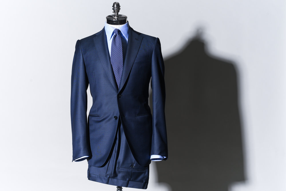 ICON  Suit   9500 Sek   Full canvas, 100% wool, s130 from Vitale Barberis, Noch lapels, 2 jetted pockets, double vents.