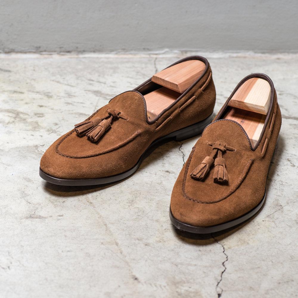 SHOE    2800 Sek   Suede shoe, tassel, cognac, goodyear