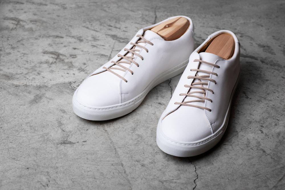 SHOE    1200 Sek   Suede shoe