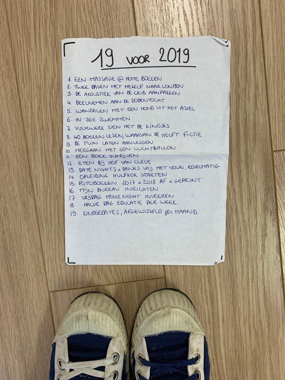 Kelly haar fameuze 19 voor 2019 lijstje. En haar voeten. Tja.