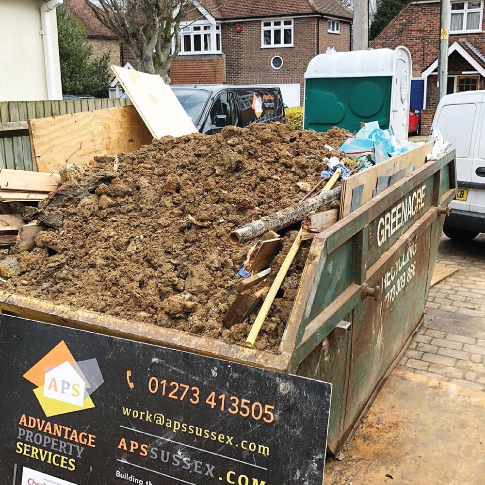 RUBBISH CLEARANCE   Registered waste carriers and quick clearance experts.