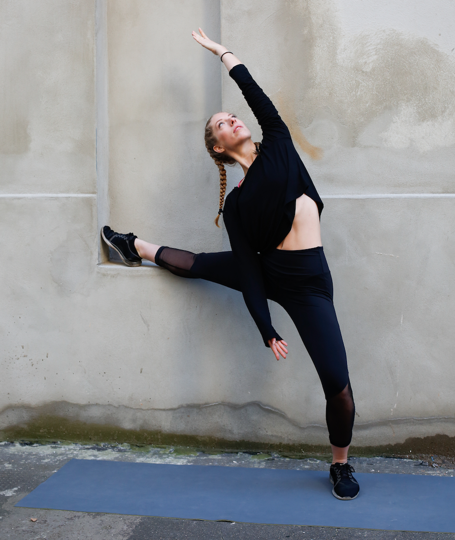 Fun with Faren - Faren is one of BECYCLE's fav.Barre instructors with some of the best class tunes!
