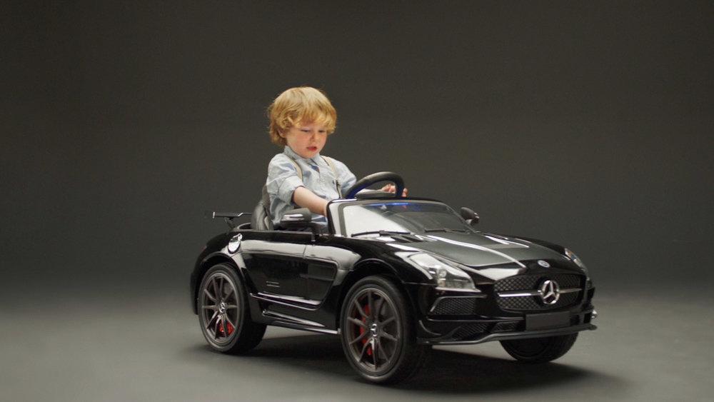 MercedesBenz-LilBenzDealership_Video3Buttons_02.jpg